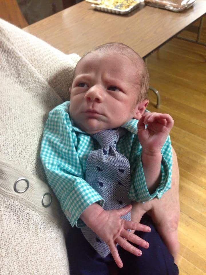 ТОП-10 кумедних малюків, які виглядають старше за свій вік  - фото 10