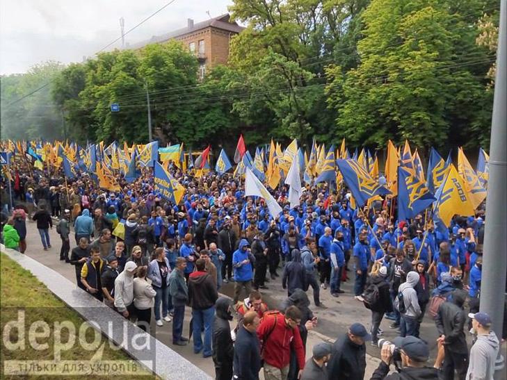 """Полк """"Азов"""" проводіть всеукраїнську акцію """"Вимоги нації - ні капітуляції!"""" ФОТОРЕПОРТАЖ (Оновлюється) - фото 5"""