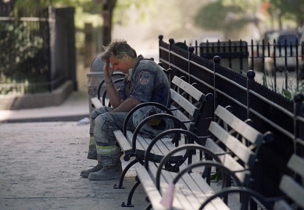 Трагедія 9/11: Сьогодні 14-та річниця наймасштабнішого теракту в історії США (ФОТО, ВІДЕО) - фото 10
