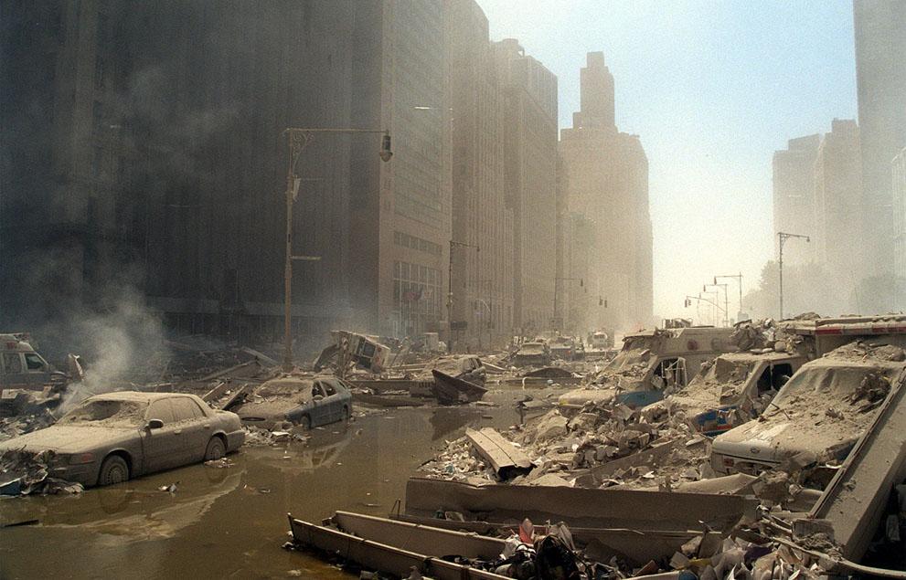 Трагедія 9/11: Сьогодні 14-та річниця наймасштабнішого теракту в історії США (ФОТО, ВІДЕО) - фото 11