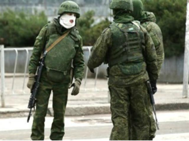 Хроніки окупації Криму: кримчанам рвуть паспорти, а Гоблін залякує фізичним знищенням - фото 6