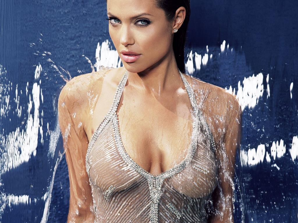 Кожній країні по Анджеліні: Як виглядають двійники Анджеліни Джолі - фото 15