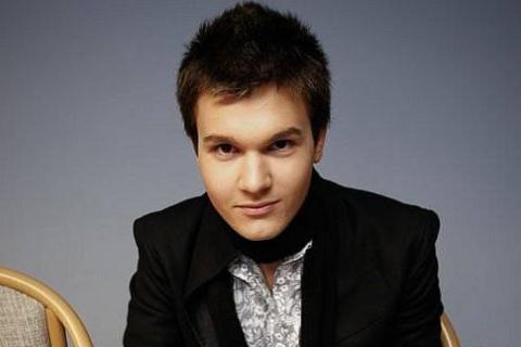Перший український співак-трансгендер вирішив підкорити Росію  - фото 1