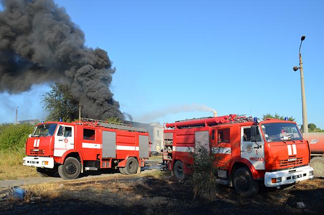 Під Миколаєвом знов горів підпільний завод по переробці шин - фото 2
