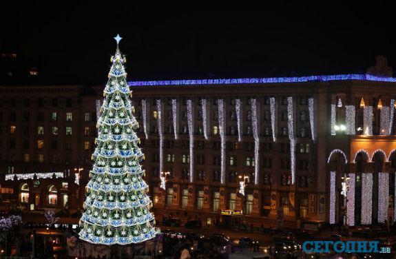Як змінювалася головна новорічна ялинка України протягом півстоліття - фото 14