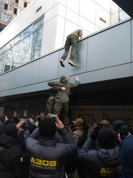 """""""СтопІнтер"""": Як """"Азов"""" українізує """"кремлівський рупор"""" - фото 2"""