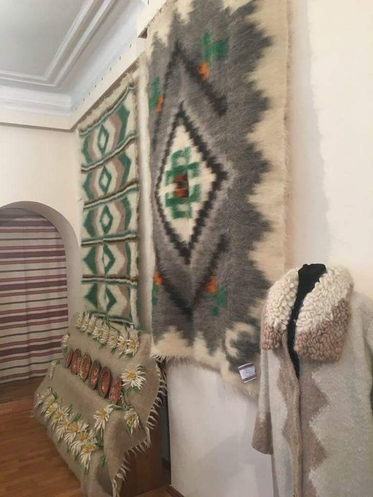 У Вінниці стартувала виставка шедеврів гуцульського ткацтва - фото 2