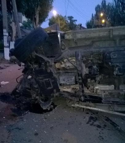 У Бердянську на шаленій швидкості зіштовхнулися два джипа, є постраждалі - фото 7