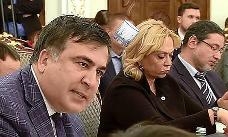 """Соцмережі """"вибухнули"""" на гризню Авакова та Саакашвілі (ФОТОЖАБИ) - фото 1"""