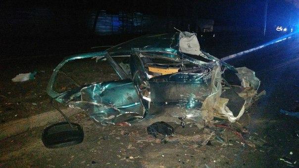 Шокуюча ДТП у Харкові: машину та водія розірвало на частини (ВІДЕО 18+) - фото 3