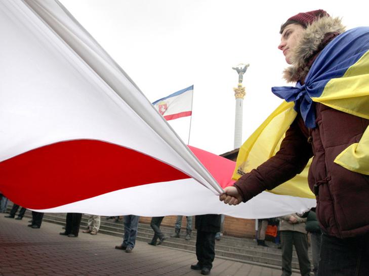 Хроніка Революції гідності: День Білорусі і подарунки від Святого Миколая - фото 5