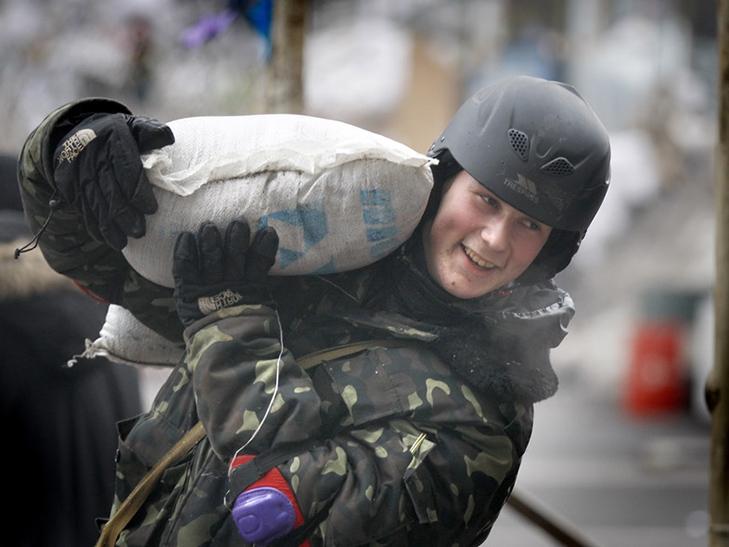 Хроніка Революції гідності: День Білорусі і подарунки від Святого Миколая - фото 2