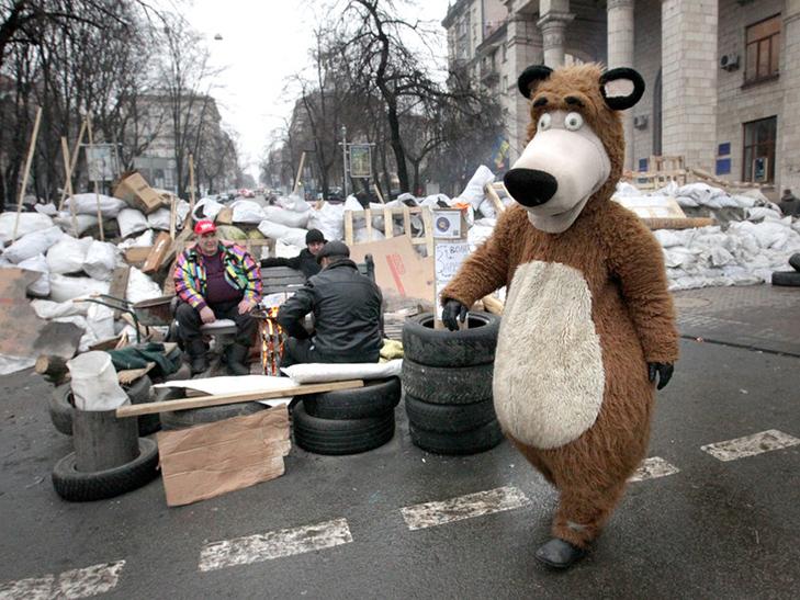 Хроніка Революції гідності: День Білорусі і подарунки від Святого Миколая - фото 8