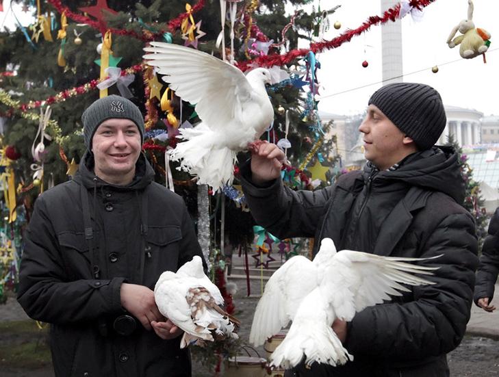 Хроніка Революції гідності: День Білорусі і подарунки від Святого Миколая - фото 9