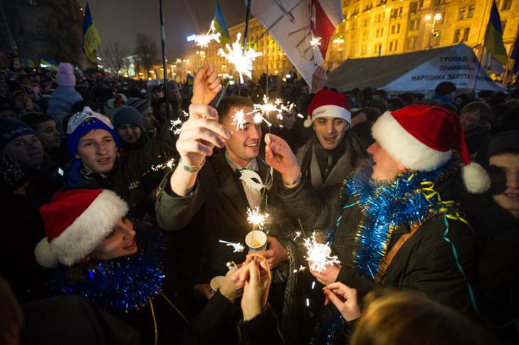Хроніка Революції Гідності: Новий рік на Майдані і день народження Степана Бандери - фото 4