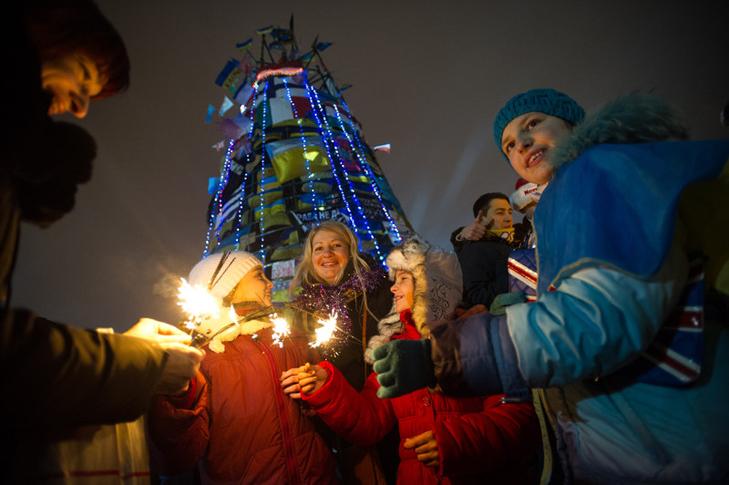 Хроніка Революції Гідності: Новий рік на Майдані і день народження Степана Бандери - фото 6