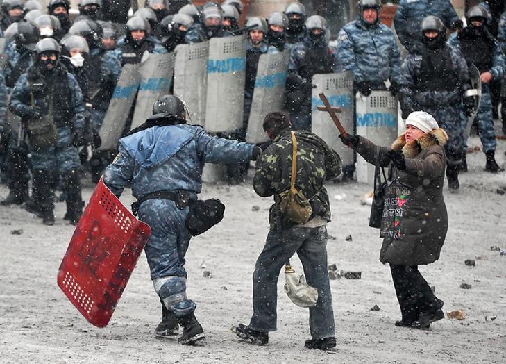 Хроніки Революції Гідності: Кривавий День Соборності і перші загиблі на Грушевського - фото 8