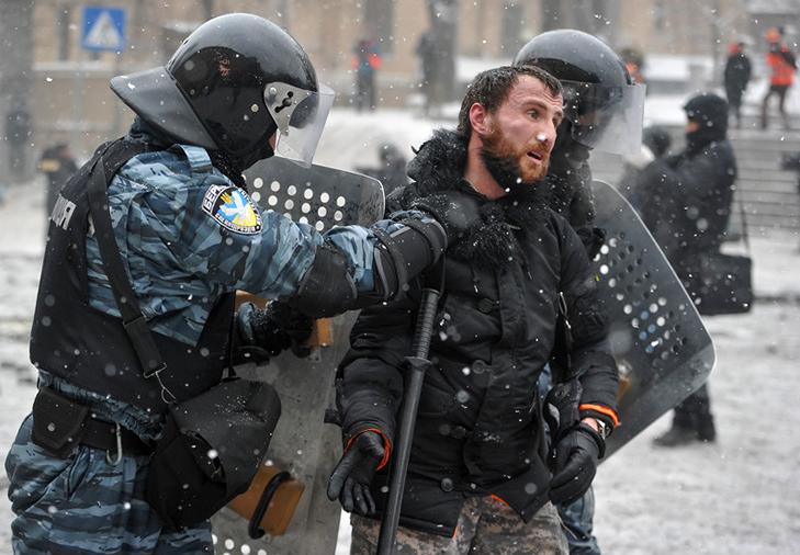Хроніки Революції Гідності: Кривавий День Соборності і перші загиблі на Грушевського - фото 9
