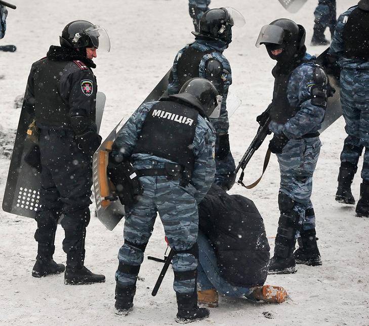 Хроніки Революції Гідності: Кривавий День Соборності і перші загиблі на Грушевського - фото 7