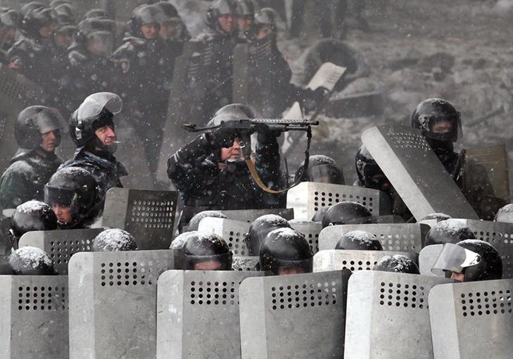 Хроніки Революції Гідності: Кривавий День Соборності і перші загиблі на Грушевського - фото 3