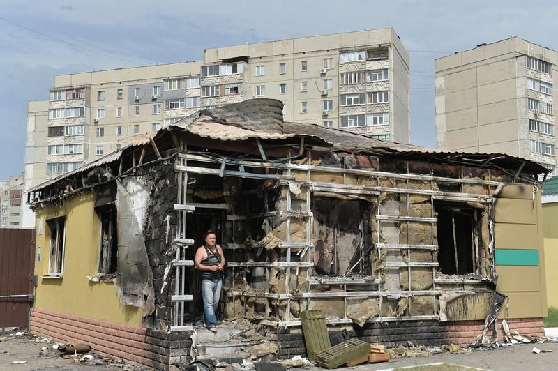 Штурм луганської прикордонної застави і вибух у будівлі ОДА (ФОТО ВІДЕО) - фото 5
