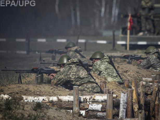 """""""Військова кампанія"""" і контрактна армія прем'єра Яценюка - фото 1"""
