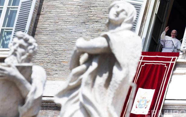 6 причин замінити Яценюка на Папу Римського - фото 5