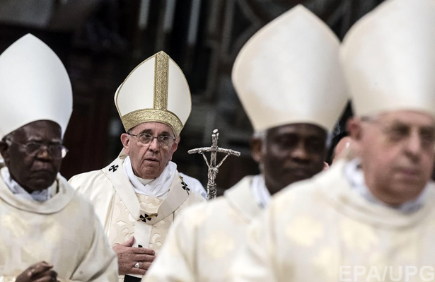 6 причин замінити Яценюка на Папу Римського - фото 2