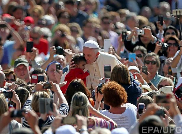 6 причин замінити Яценюка на Папу Римського - фото 4