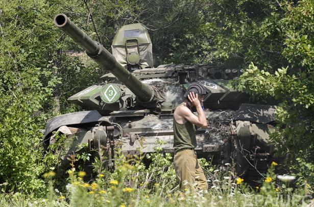 Мінськ-2: Росія відводить збройний кулак. Для удару? - фото 1