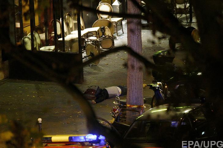 П'ятниця, 13-те у Парижі: Близько 150 загиблих, сотні поранених (ФОТОРЕПОРТАЖ) - фото 5