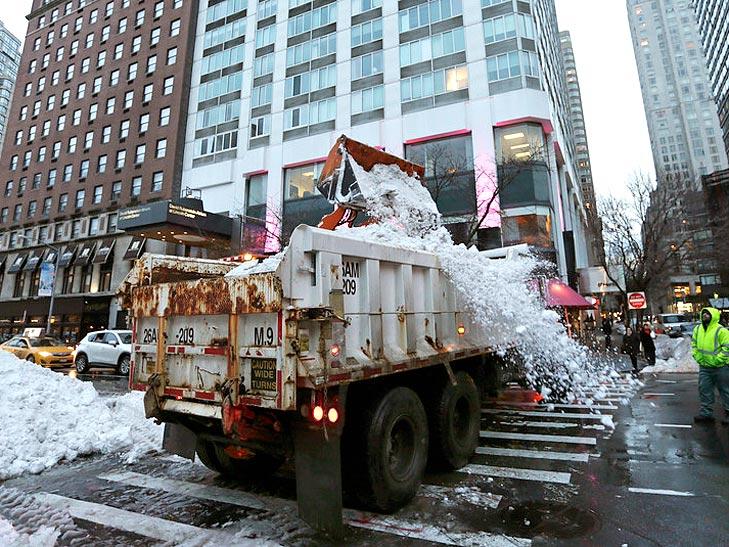 Як у Саакашвілі звалили сніг в Одесі на Вашингтон - фото 1