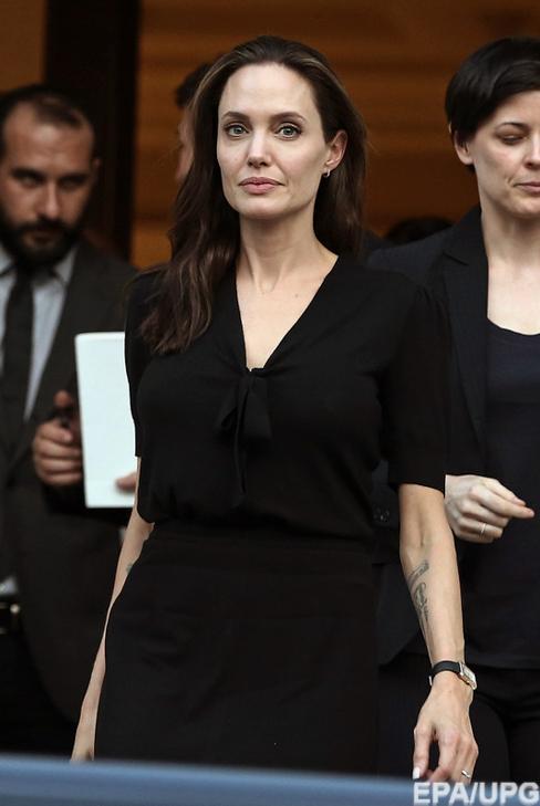 Анджеліна Джолі продовжує втрачати вагу і може померти - фото 1
