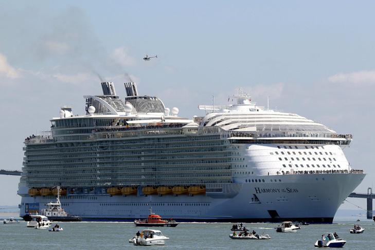 Як виглядає найбільший у світі круїзний лайнер - фото 2