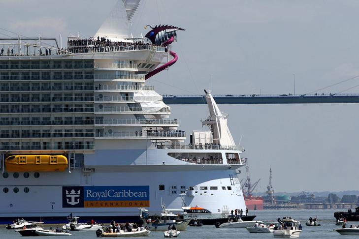 Як виглядає найбільший у світі круїзний лайнер - фото 3