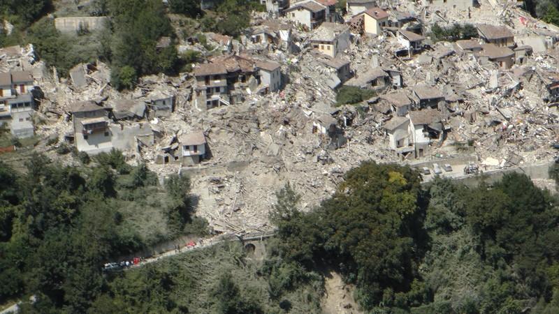 Італійський землетрус - фото 10