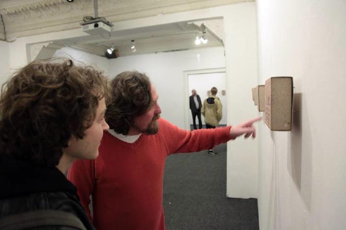 Миколаївський художник епатував публіку картинами на сірникових коробках - фото 3