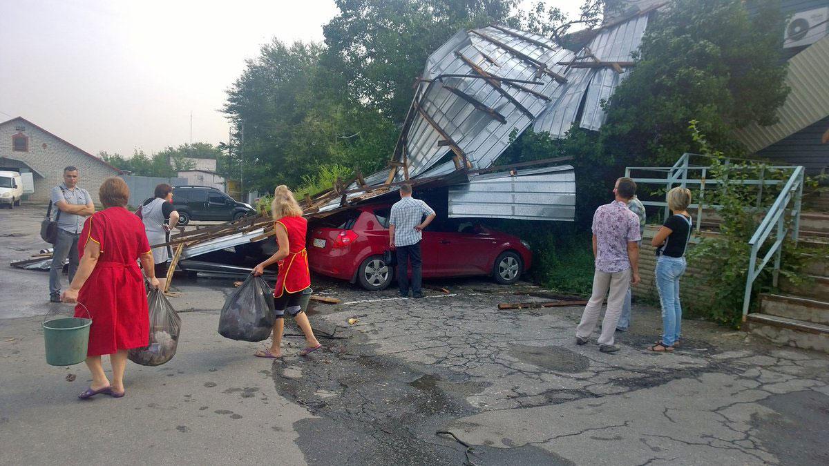 Розгул стихії в Харкові: опубліковані фото  - фото 3