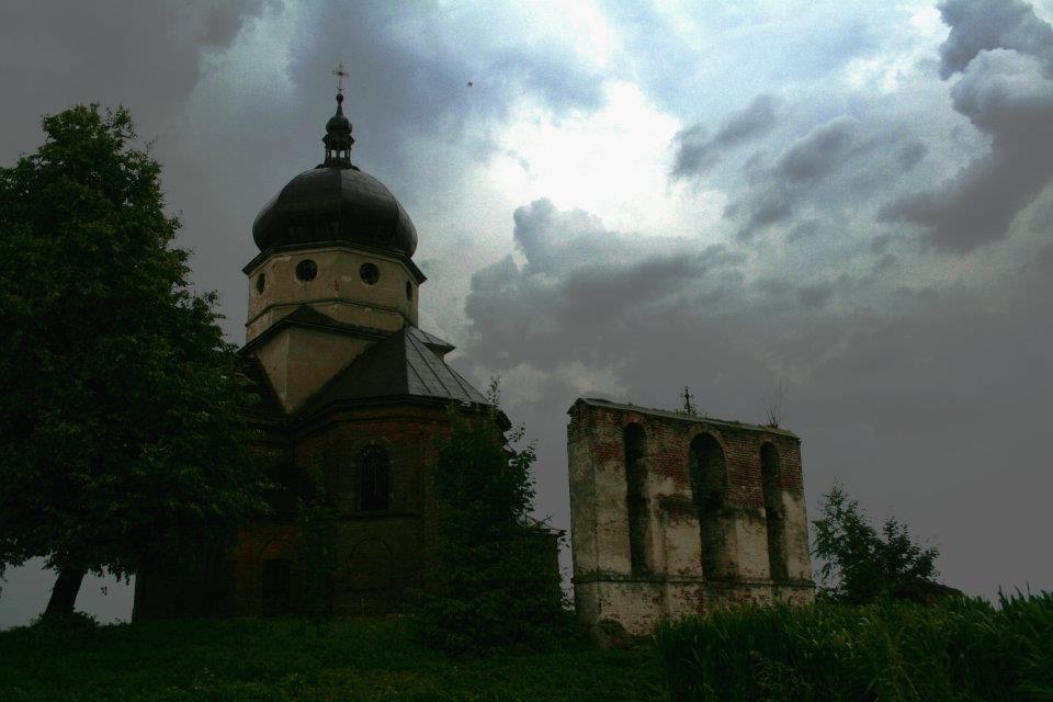 Закинуті церкви: поляк фотографує залишені українцями храми - фото 1