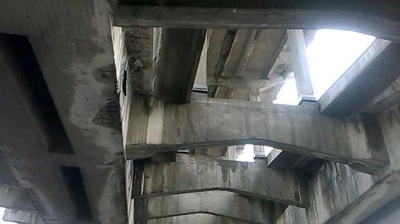 """Як виглядають """"нутрощі"""" мосту Метро у Києві - фото 2"""
