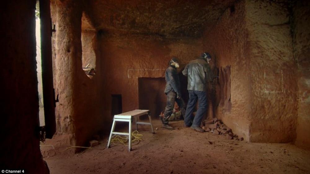 Як чоловік зі звичайної печери зробив люкс-апартаменти з Wi-Fi - фото 9