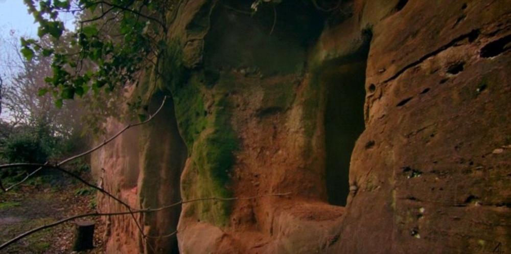 Як чоловік зі звичайної печери зробив люкс-апартаменти з Wi-Fi - фото 1