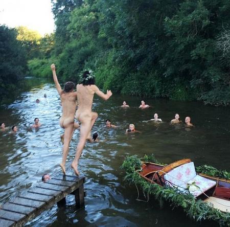 Син учасника Pink Floyd одружився голим - фото 1