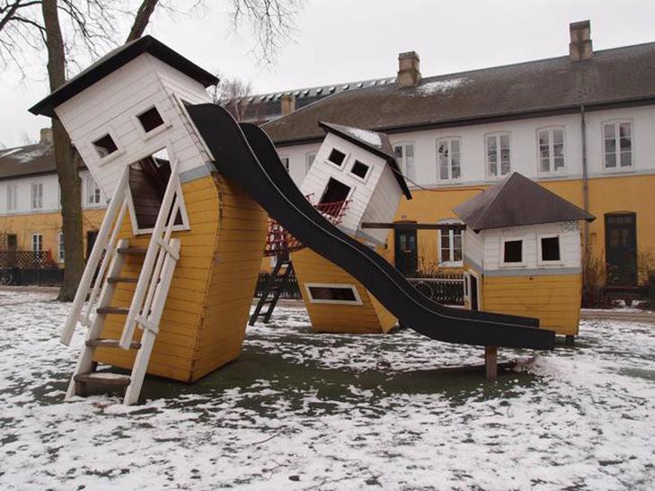 30 дитячих майданчиків, від яких стає моторошно - фото 2