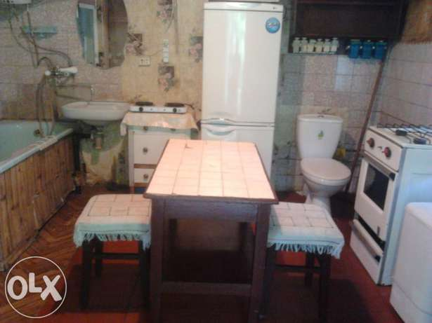 Треш-квартира з ванною і туалетом у кухні стала хітом соцмереж - фото 4