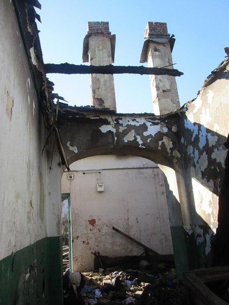 У нас залишились лише капці, в яких ми вибігли з дому: Постраждалі від пожежі в Барі просять допомоги - фото 1