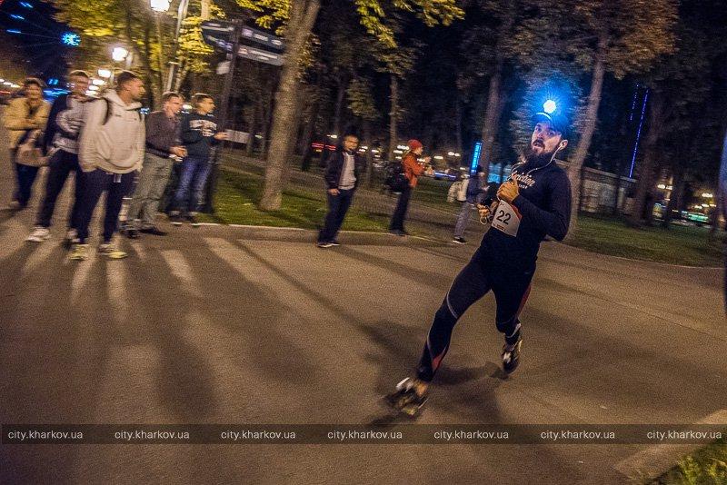 У Харкові пройшов нічний забіг з ліхтарями - фото 2