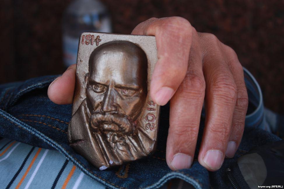 Кримський татарин тиждень голодує на Майдані (ФОТО) - фото 5