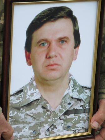 Вінничани провели в останню путь бійця, який помер на Волині - фото 1