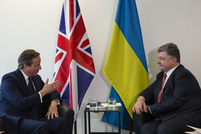 Порошенко і Кемерон обговорили ситуацію на Донбасі - фото 1